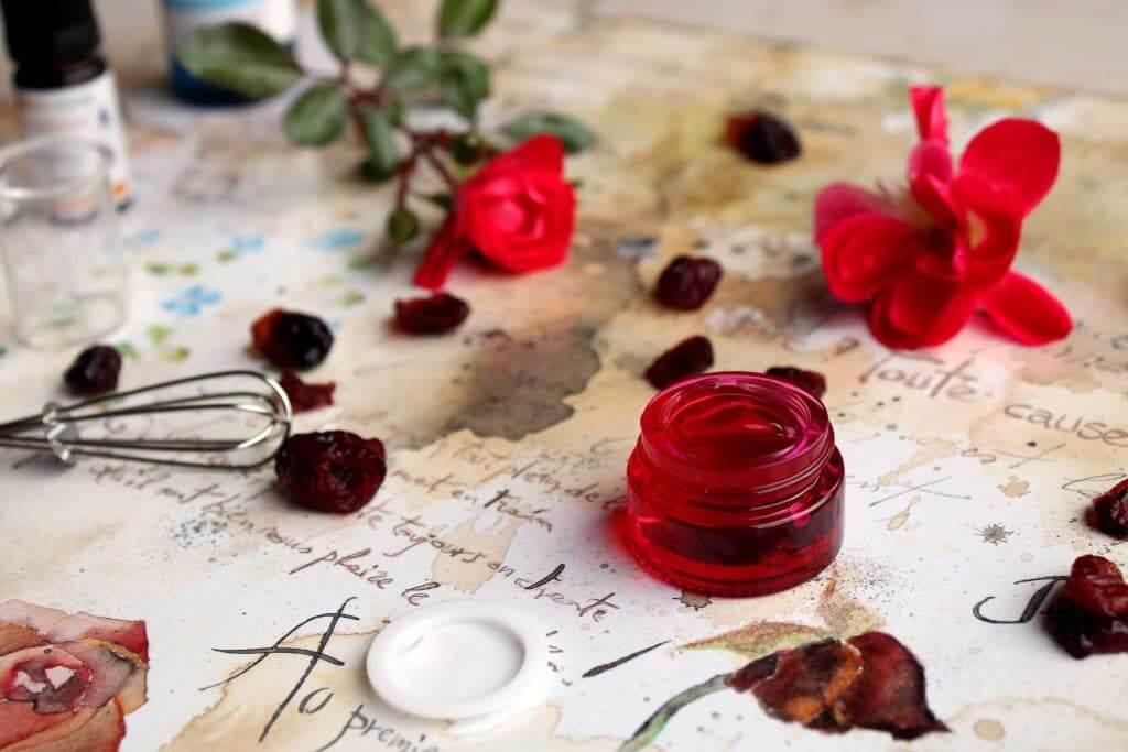 Gel à la rose, matériel et fleurs