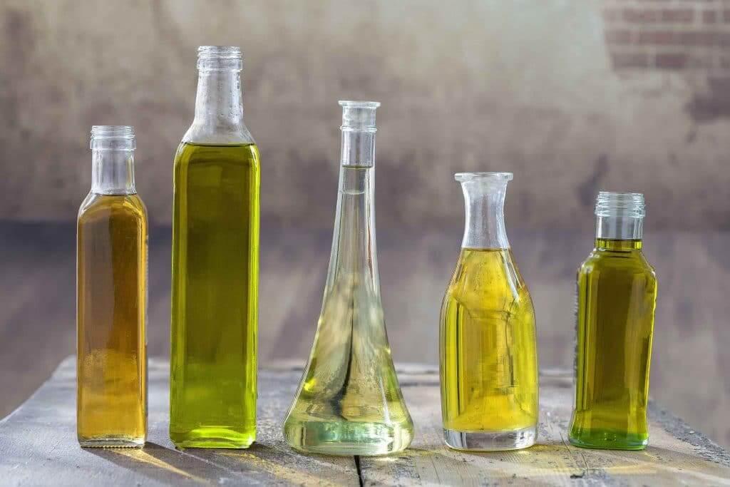 Bouteilles d'huiles végétales