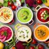 Assortiment de soupes colorées